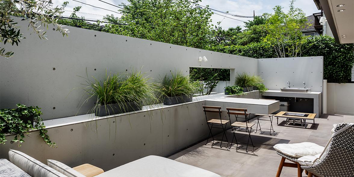 東京の中に建つ別荘/荒川圭史